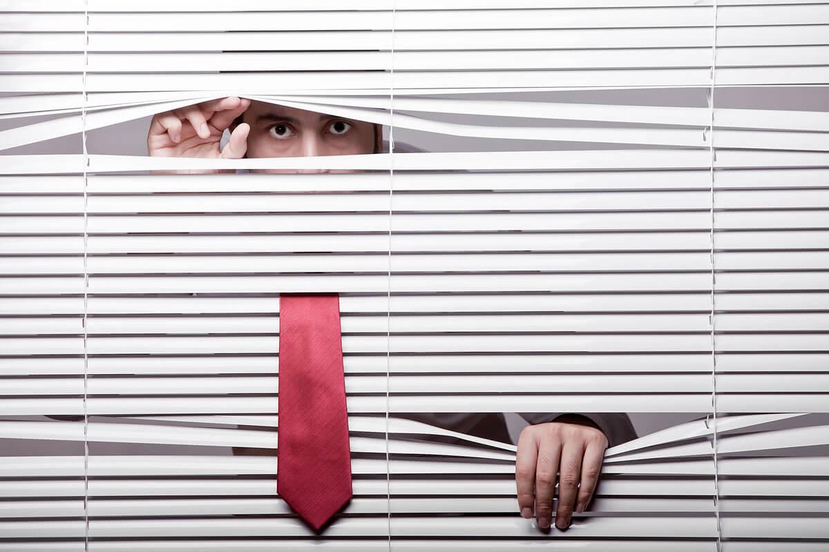 peeping tom principle